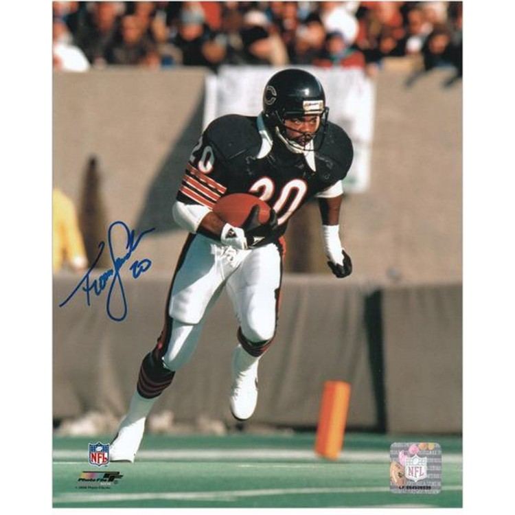 "Thomas Sanders Chicago Bears Autographed 8"" x 10"" Photograph"