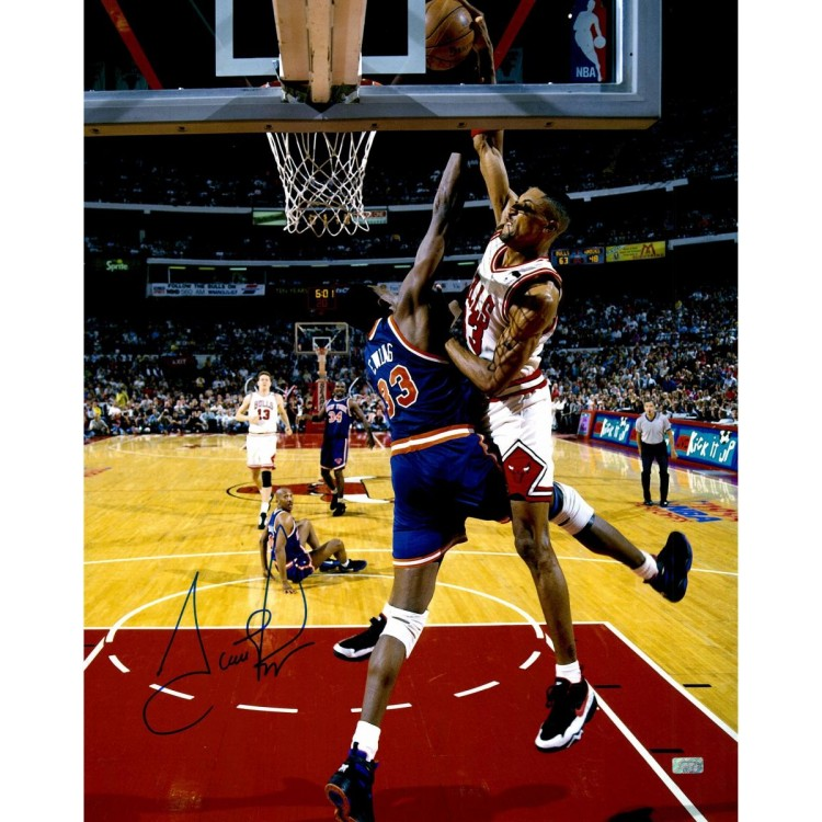Scottie Pippen Chicago Bulls Autographed 16'' x 20'' Dunk On Patrick Ewing Photograph