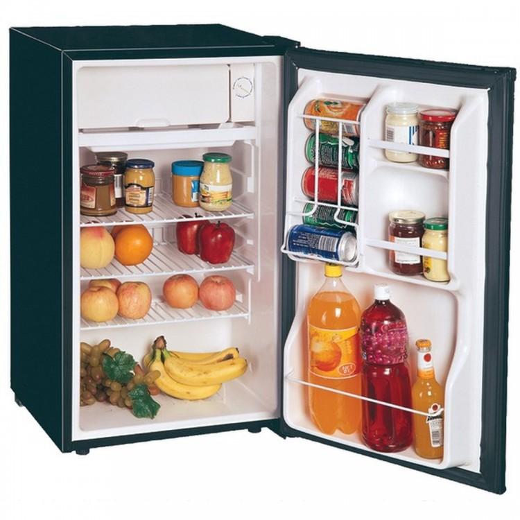 MAGIC CHEF MCBR360B 3.6 Cubic-ft Refrigerator (Black)