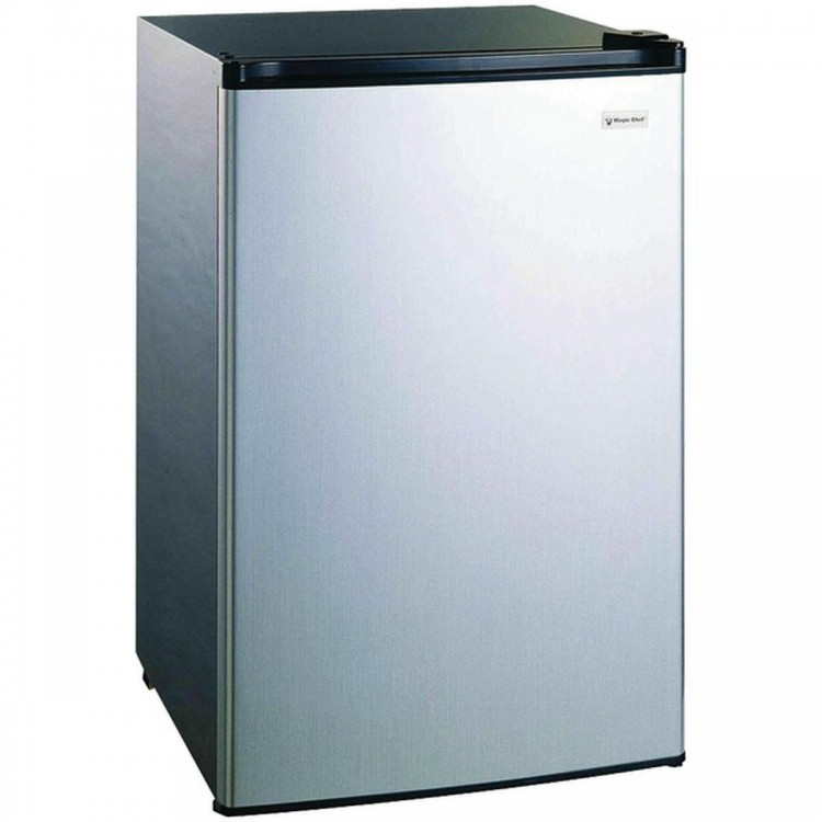 MAGIC CHEF MCBR445S2 4.4 Cubic-ft Refrigerator with Push Button Defrost
